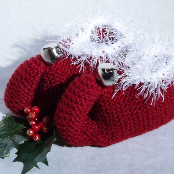Festive Knit Elf Slippers Pattern PDF by lorithompsondesign