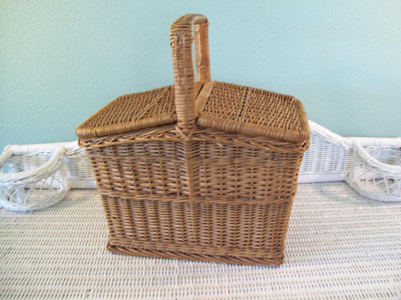 Vintage Wicker Picnic Basket 111
