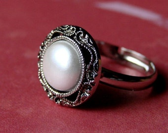Ring - Understated Elegance, Pearl in Antiqued Silver