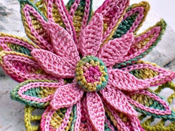 Crochet Brooch Fiber Brooch Irish Crochet Daisy Pin Pink Yellow Green Crochet Flower Flower Pin Granny Floral Crochet Pin
