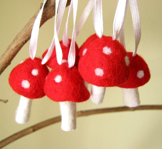 Needle Wool Felted Ornaments 20 Red Toadstool Mushroom -Home Decor - Gnome
