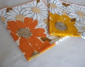 2 Retro Linen Flower Napkins