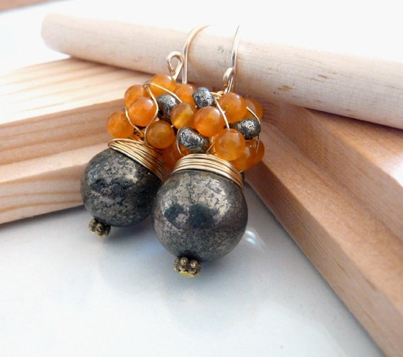 The Quinta - charming earrings with pyrite stone and carnelian