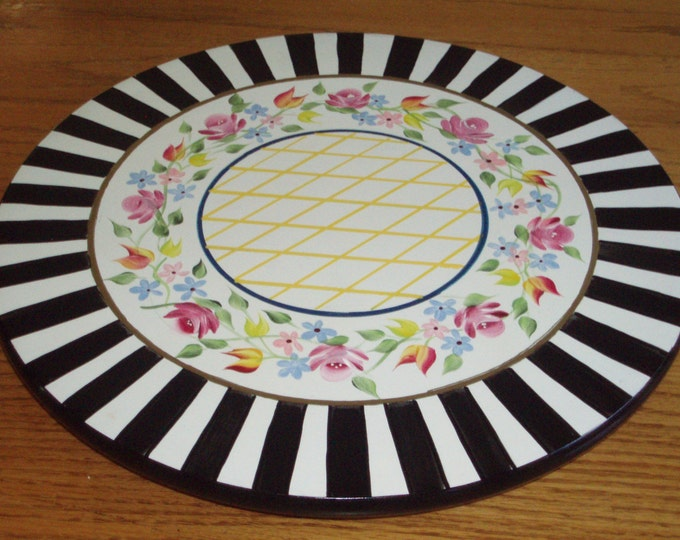 Whimsical Painted Lazy Susan // Whimsical Lazy Susan, Whimsical home decor