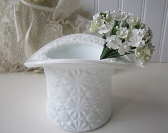 Vintage Daisy and Button Milk Glass Hat