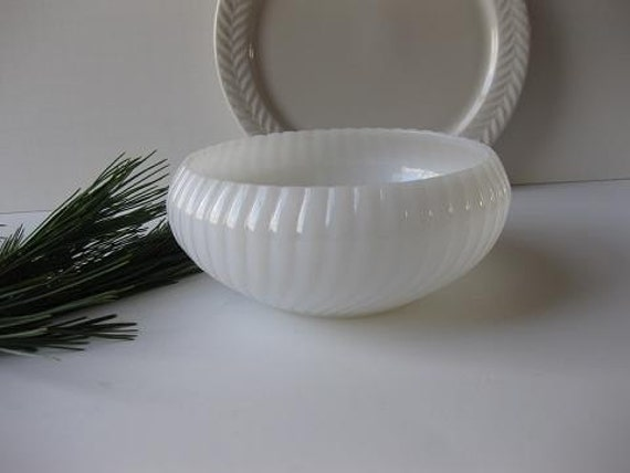 Vintage Ribbed and Swirled Milk Glass Planter