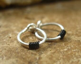 Cartilage Hoop Earrings Silver Black Wrap - Helix Jewelry, Tragus Jewelry, Rook Jewelery, Helix Jewlery, Cartilage Jewelry, Piercing Hoop