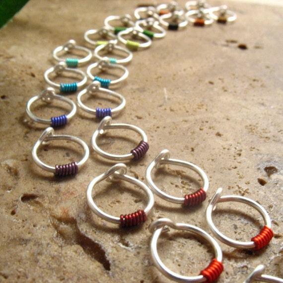 Hoop Earring Silver Black Wrap SINGLE Tragus Piercing/Rook Piercing/Daith Piercing/Conch Piercing/Cartilage Piercing/Helix Piercing/Color