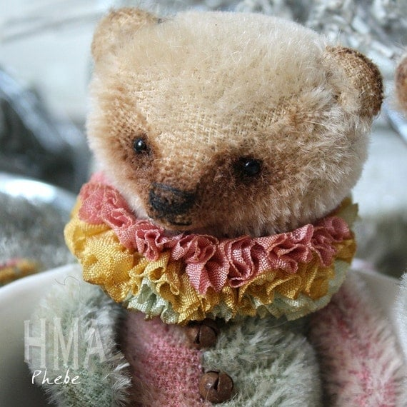 Phebe, small vintage looking Tea cup Grizzly bear by Vivianne Galli