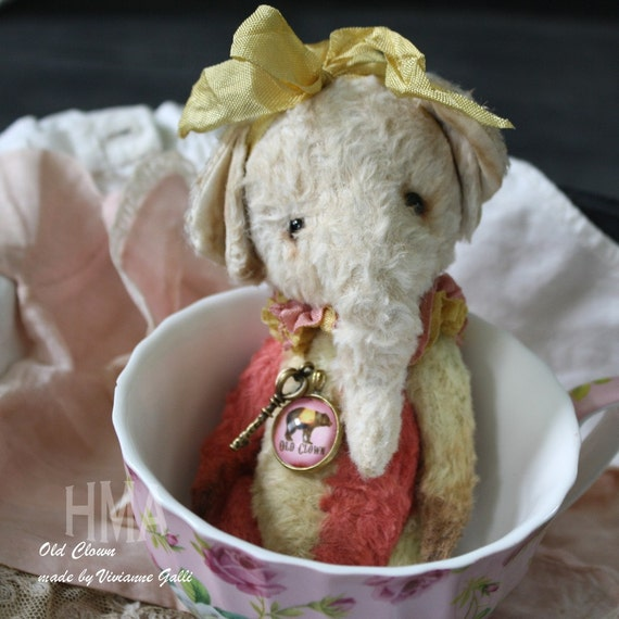 Sweet and super soft little collectable Elephant by Vivianne Galli.