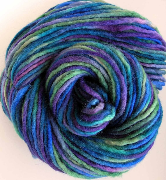 Hand Dyed Bulky Wool Roving Yarn - Envy