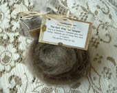 Clearance - Grey / Black Shetland-type Wool Roving  -- 4 oz.  As featured in the Phat Fiber Box.