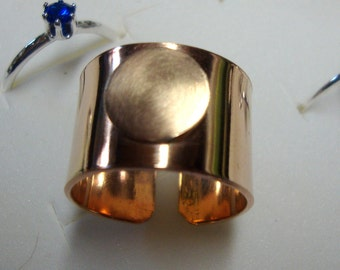 1/2 inch wide14k/20 Gold Filled hammered ring blank with 3/8 inch glue pad for glass, clay  or buttons - solid sized - hiw