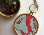 Italy Map Compass Necklace, Italia Roma map compass Custom Choose Your City Compass Map pocket key chain, personalized anniversary gift