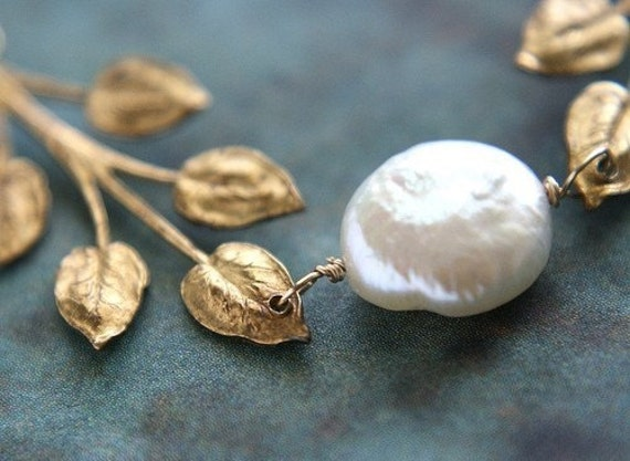 Gold leaf Necklace, bridesmaid jewelry, wedding necklace vintage leaf coin pearl gold Bridal jewelry set, Mothers day gift