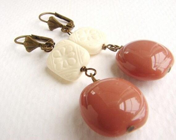 Cream Mauve Squares drop Earrings, Vintage Mod Square earrings nude neutral earrings