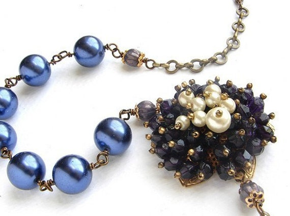 Flower Statement Necklace, purple beaded flower Vintage inspired Bridal Jewelry,  Purple Blue Pearl Statement Necklace