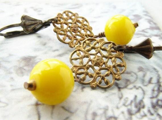 Yellow glass drop earrings, vintage glass drop earrings, lace filigree earrings, statement jewelry set