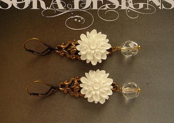 White Gardenia Drop Earrings, bridesmaid jewelry, white flower drop earrings, custom color bridesmaids earrings, custom bridal party jewelry