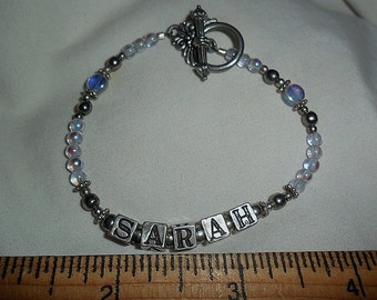Sarah Bracelet - Glass and Metal beaded - Toggle closure