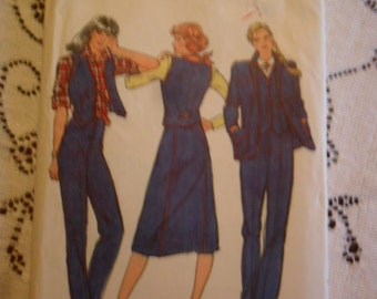 Vintage Butterick Pattern 3136 - Misses Jacket - Vest - Skirt and pants - size 14