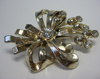 Shabby Gold Bow with Flowers - brooch