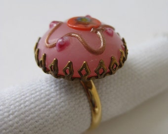 Pretty Pinks - vintage ring - size adjustable