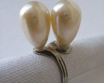 Nice Set of Pearls - vintage ring - adjustable