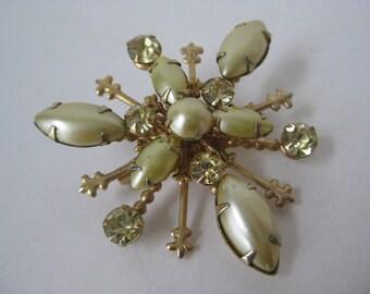 Golden Green Burst with Twinkle - vintage brooch
