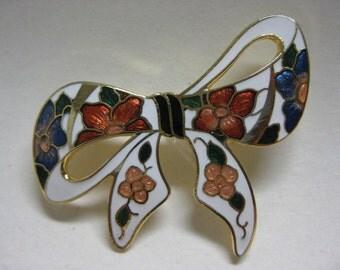 Pretty Flower Bow - vintage brooch