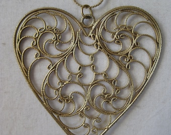 Heart Filigree Necklace Gold Pendant
