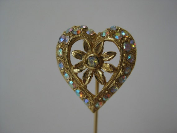 Colorful Heart Flower - stick pin