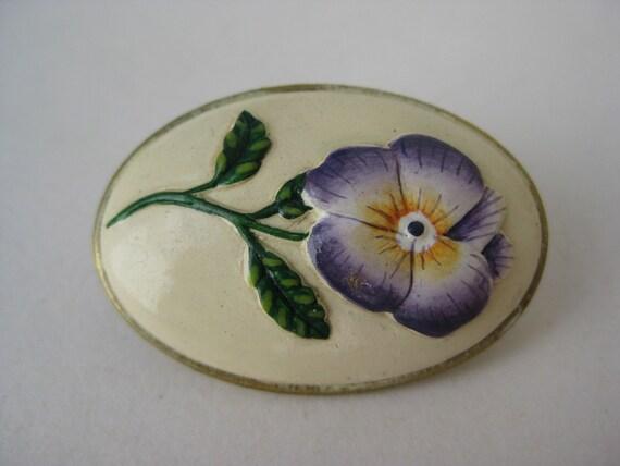 Oval Pansy - brooch
