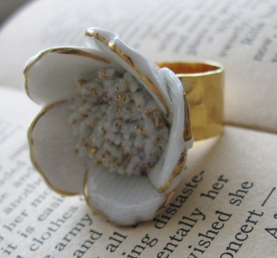 Vintage White Gold Porcelain Flower Cocktail Ring - Snow Blossom- FREE SHIPPING SALE