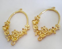 Gold plated Flower clusters connector pendant -  2pcs
