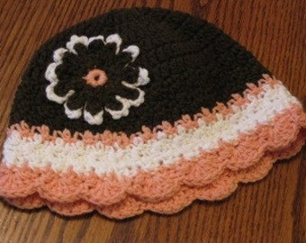 Striped beanie with Flower accent