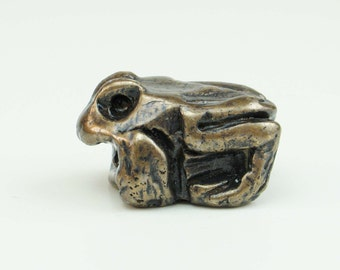 Rocky the tiny bronze frog - sculpture - vintage patina