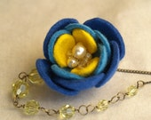 BLUE ROSE and Yellow crystal glass necklace