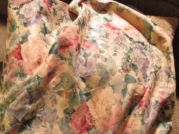 Fabulous Floral Fabric, Great  for Purses, totes, clutches, pillows and so on..