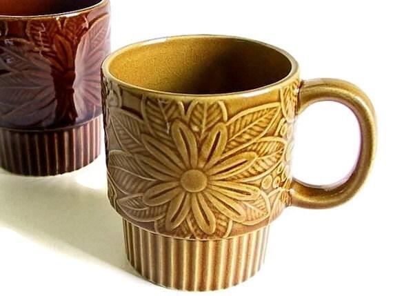 Vintage Mugs Brown and Tan Set of Two