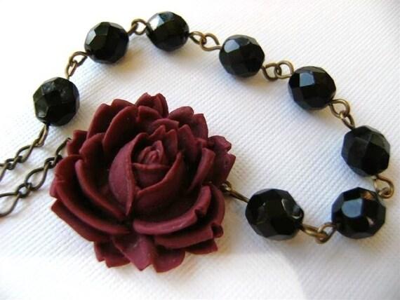 Carolina Garnet and Black Rose Necklace (Small Version)