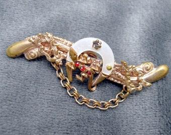 Victorian Lizard Pin Horseshoe  P2364