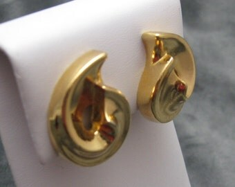 Vintage Christian Dior Swirl Earrings Jewelry E2601