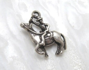 Vintage Sterling Charm Royal Mountie on Horse C3099