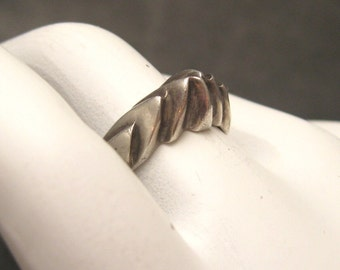 Sterling Ring Deco Modernist Vintage Jewelry R4004