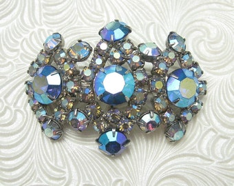 Unusual Blue Rhinestone Brooch Vintage Jewelry P4507