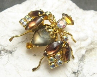 Vintage Rhinestone Bug Brooch Fabulous Insect Jewelry P4551
