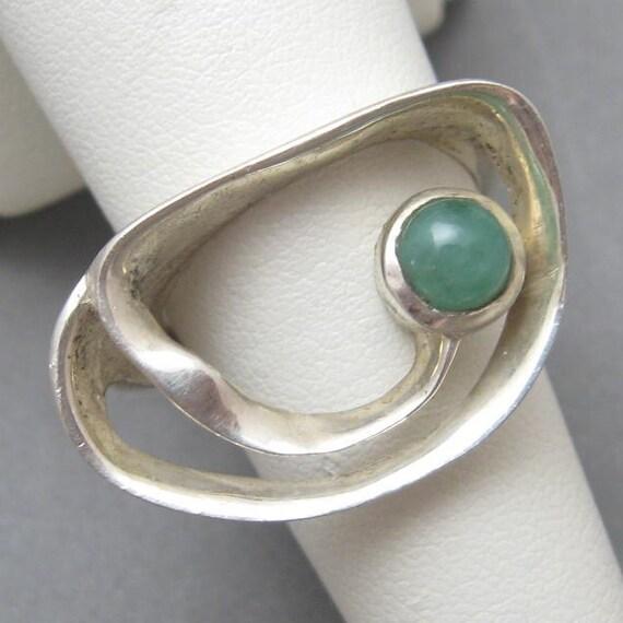 Vintage Sterling Ring Modernist Green Stone Size R1323