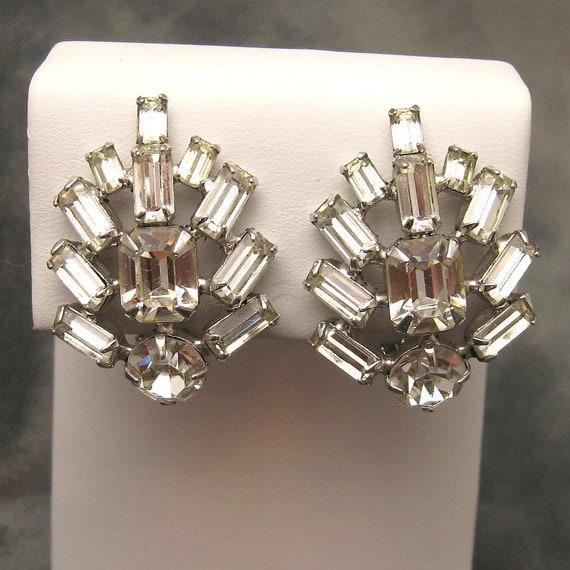 Sparkling Large Rhinestone Earrings E2735