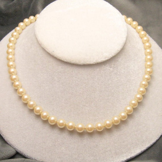 Creamy Elegant Vintage Glass Pearls Rhinestone Clasp N2931